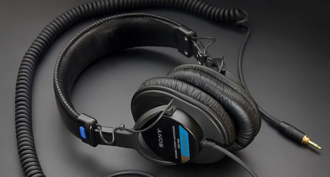 sony mdr 7506 review still one of the best headphones around. Black Bedroom Furniture Sets. Home Design Ideas